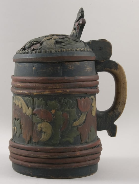 Shallow relief acanthus carving between bands and on cover tankard side - Decorative Woodcarving
