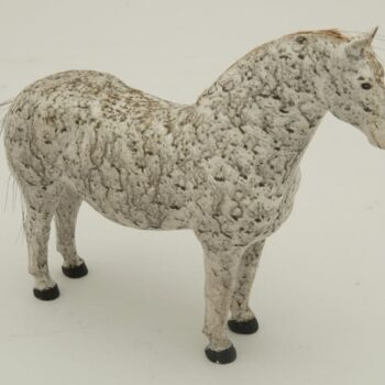 Realistically carved wooden horse with horse hairs glued on leather for the tail and mane - Decorative Woodcarving