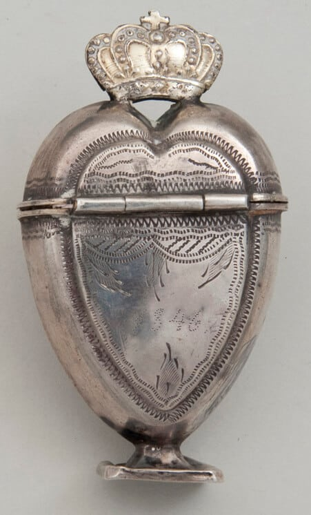 Perfume bottle in a long heart shape with a crown on top - Norwegian Metalworking