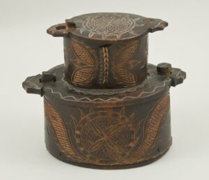 Two tiered bentwood box front - Decorative Woodcarving