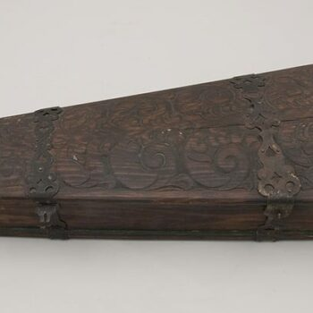 Base and cover of fiddle case are made of hand-planed single boards top - Decorative Woodcarving