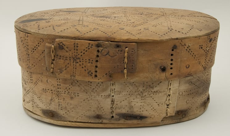Bentwood box with sides joined by two rows of birch root lacing back - Decorative Woodcarving