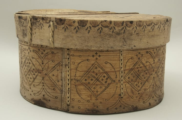 Bentwood box with double laced birch root seams side - Decorative Woodcarving