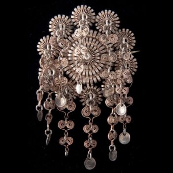 Brooch with a small central dome built up of three tiers of silver wire filigree rings - Norwegian Metalworking