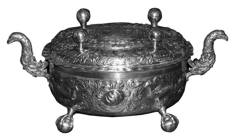 Soup tureen, entire surface is covered with repoussé birds and acanthus designs - Norwegian Metalworking