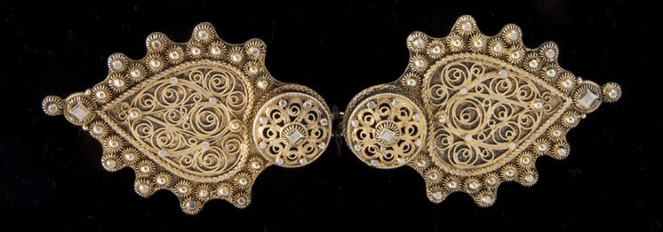 Belt buckle that features two heart-shaped pieces - Norwegian Metalworking