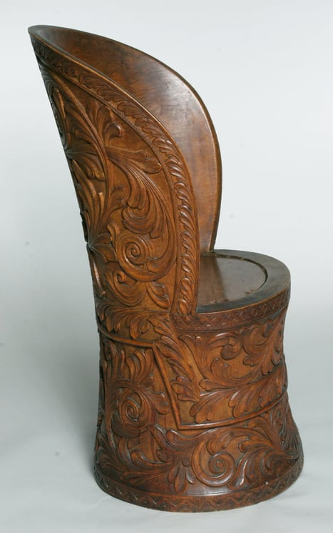 This beautiful kubbestol is made from a single piece of wood left side - Decorative Woodcarving
