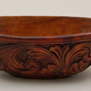 Oblong ale bowl with short spout on one end and slightly fan-shaped handle at upper edge - Decorative Woodcarving