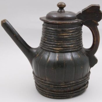 Stave constructed tankard with inset base side - Decorative Woodcarving