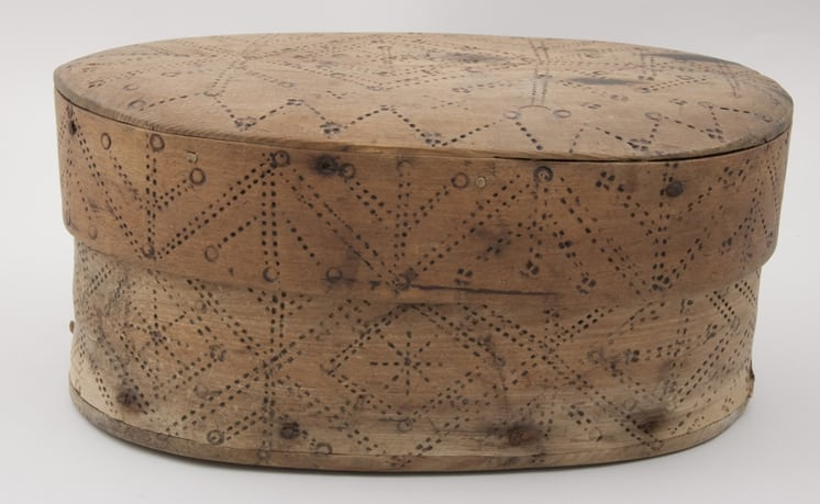 Bentwood box with sides joined by two rows of birch root lacing front - Decorative Woodcarving