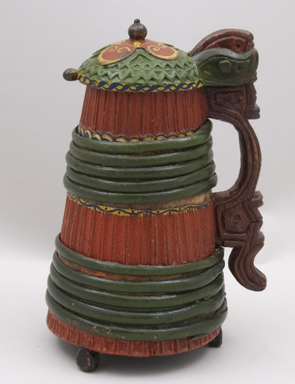 Stave constructed tankard with deep vertical ribs around the body side - Decorative Woodcarving