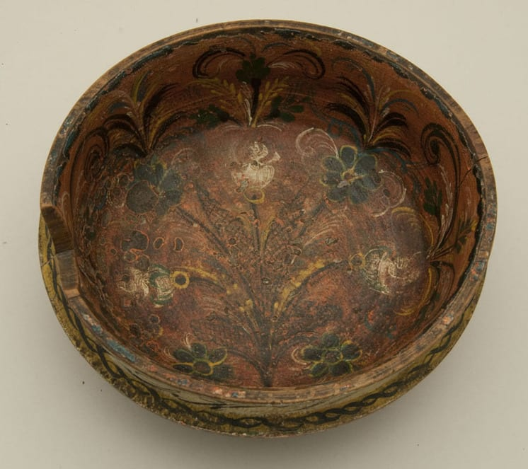 Small bowl with rosemaling in interior possibly from western Norway - Rosemaling