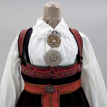 Dress with gathered and flared homespun wool skirt with three black bands at the bottom - Textiles