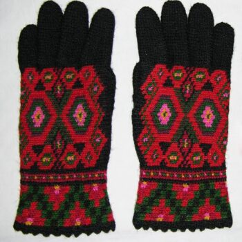 Women's gloves crocheted by Mrs. Berit Rustland