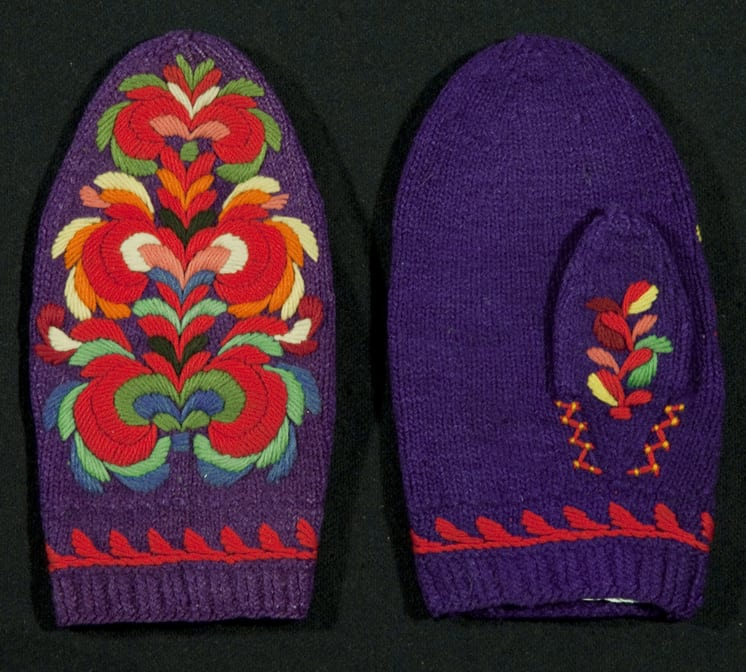 Mittens knit with wool and are embroidered with Hallingdal-style