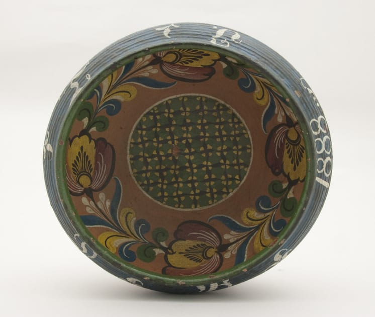 Turned bowl from a single piece of wood, inscription: OIDB 1888 - Rosemaling