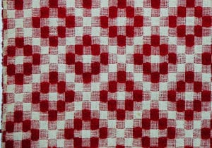Coverlet woven using crackle weave or halvdreiel technique. Crisscross pattern in red wool - Textiles