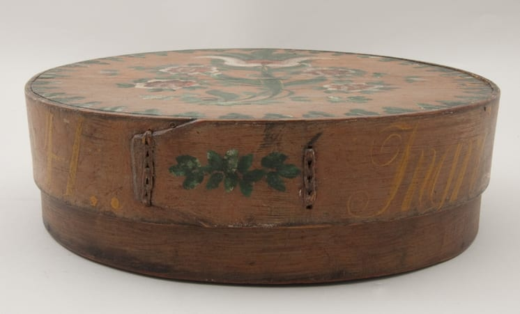 Fairly large bentwood box with side lacing - Rosemaling & Decorative Painting