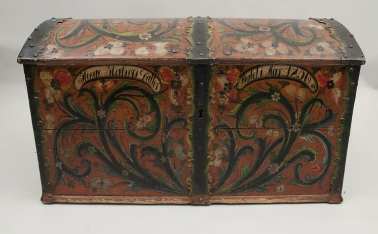 Telemark style rosemaling on front panel and top - Rosemaling & Decorative Painting