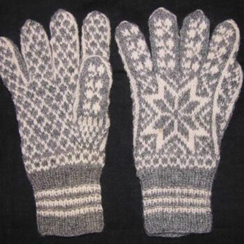 Gloves made of gray and white wool, with eight-petal flowers knit on backs - Textiles