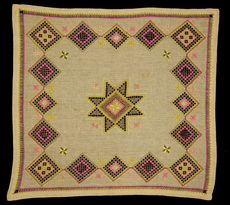 Tablecloth with center star motif and surrounding diamonds - Textiles