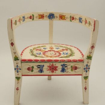 Child's three-legged chair with Os style rosemaling - Rosemaling