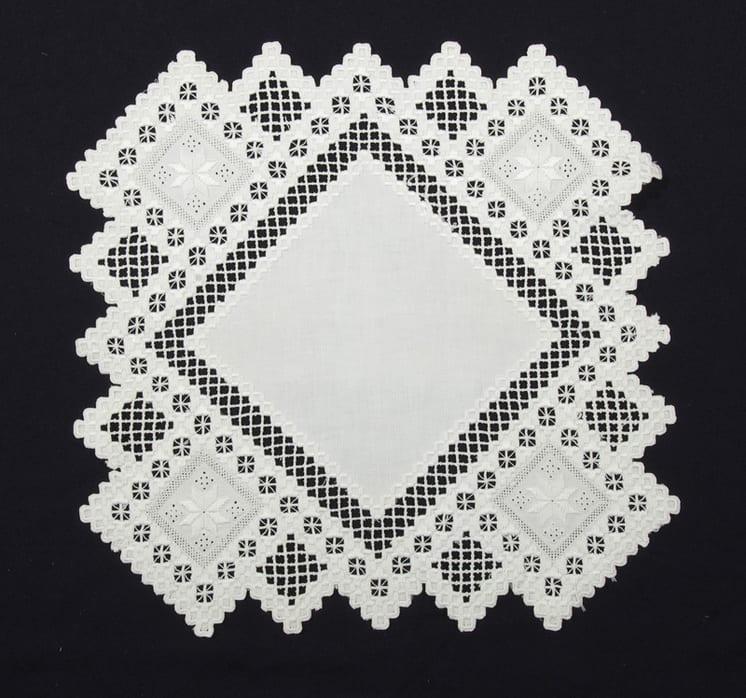 square, white, table centerpiece - Textiles
