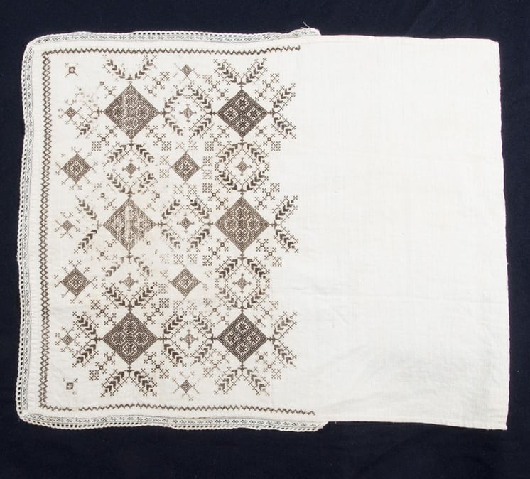 Hand voering with very fine blackwork embroidery - Textiles