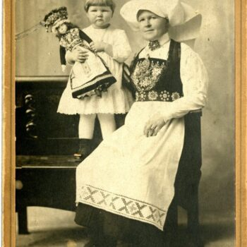 Marie Maurseth Egge and her daughter Helen