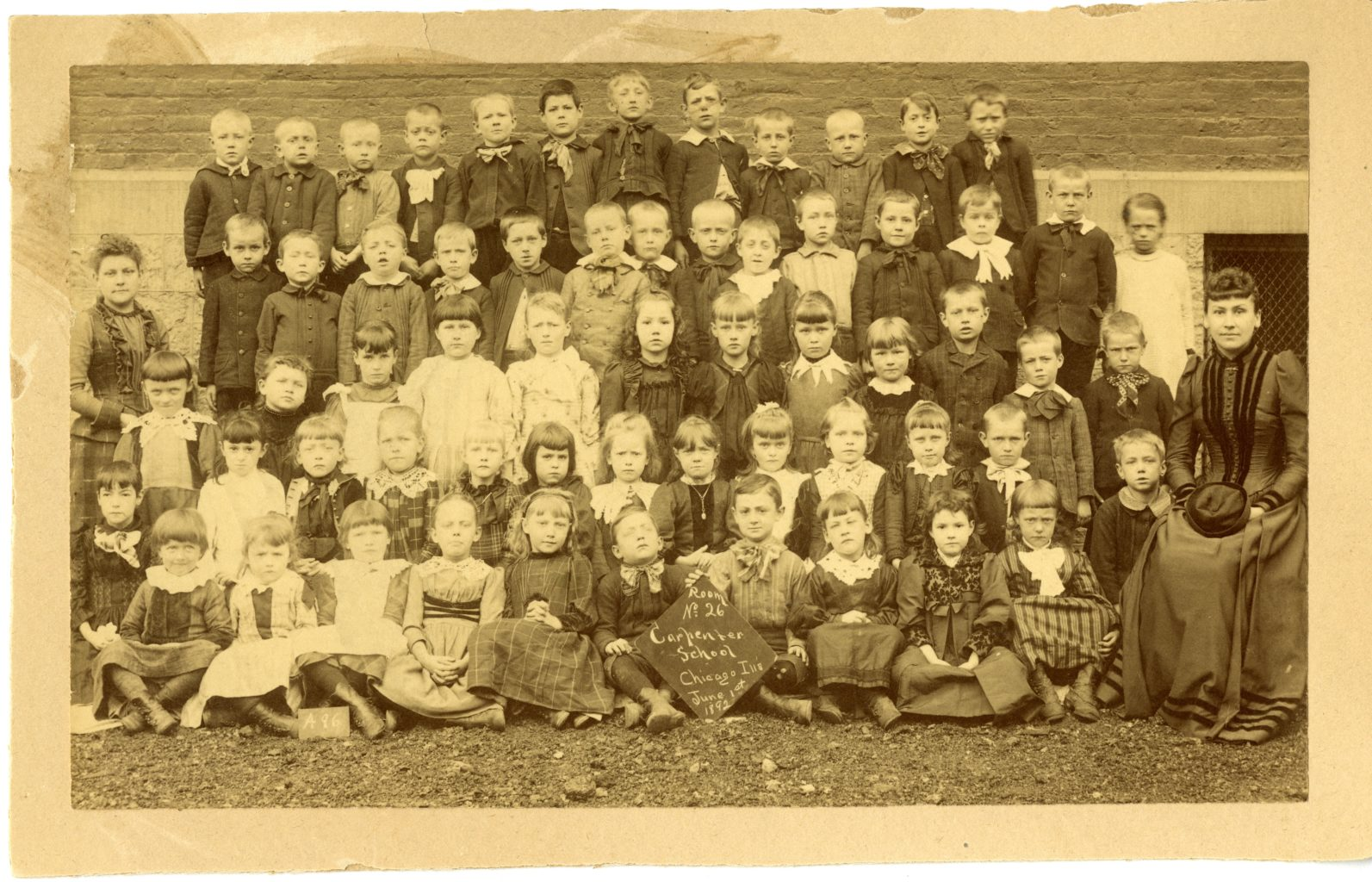 Large group photo of children at Carpenters School.