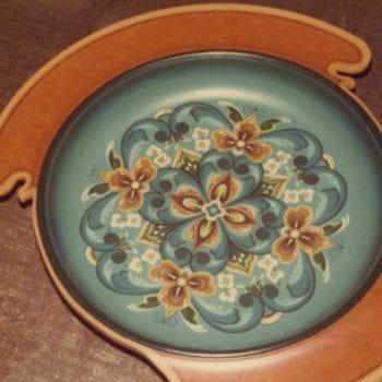 Ale bowl © 1976 Carol Dziak Ale bowl © 1976 Carol Dziak