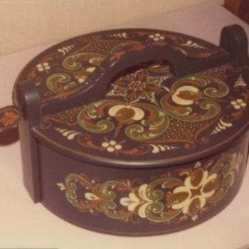Flatbread box © 1976 John Gundersen Flatbread box © 1976 John Gundersen