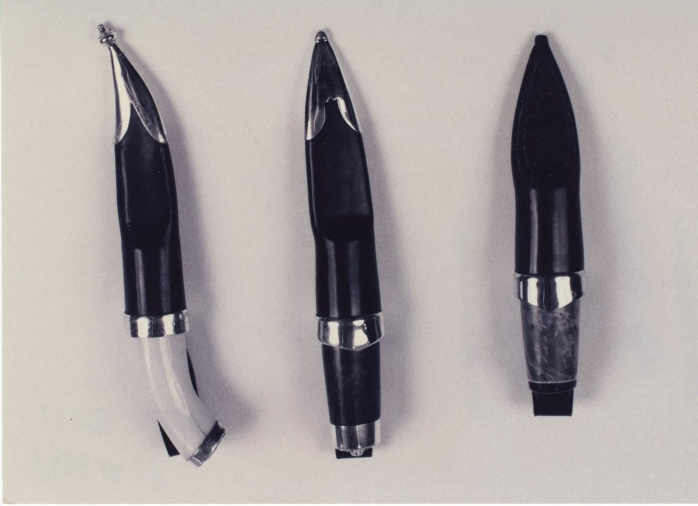 Knife with hippo-tooth handle © 1996 Gene Tokheim Knife with hippo-tooth handle © 1996 Gene Tokheim