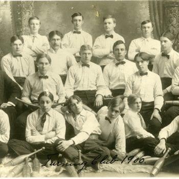 Group photo of boys turning club.