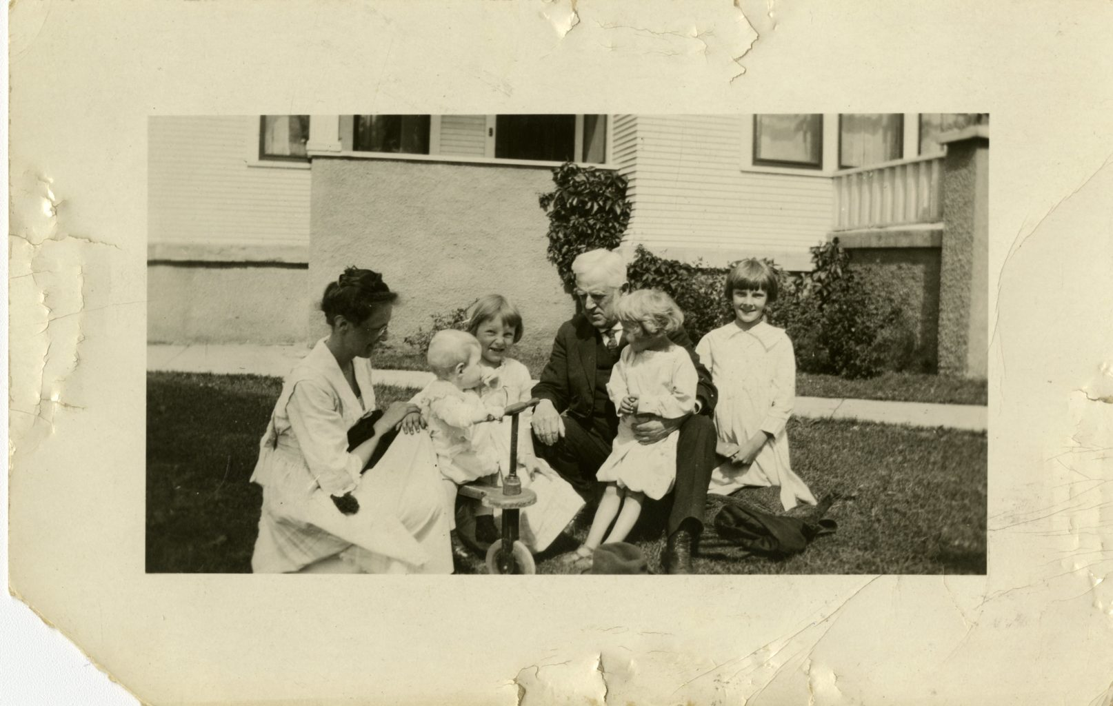 Preus family gathers for a photo outside.