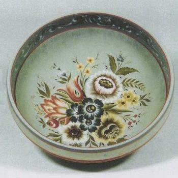 Valdres-style Bowl © 1993 Eleanor Peterson Valdres-style Bowl © 1993 Eleanor Peterson
